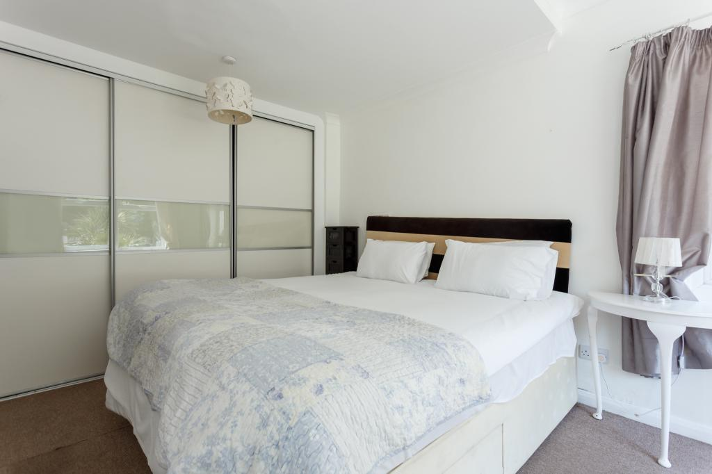 15 Seacombe Road-8 web