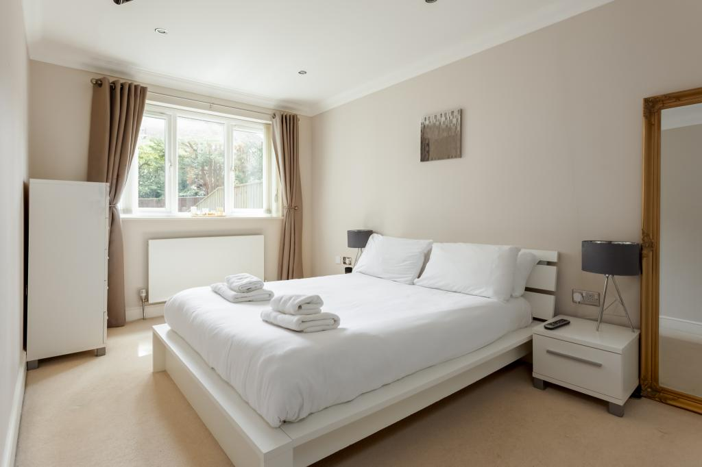 Flat 2 Pines View-ph17 web - Copy